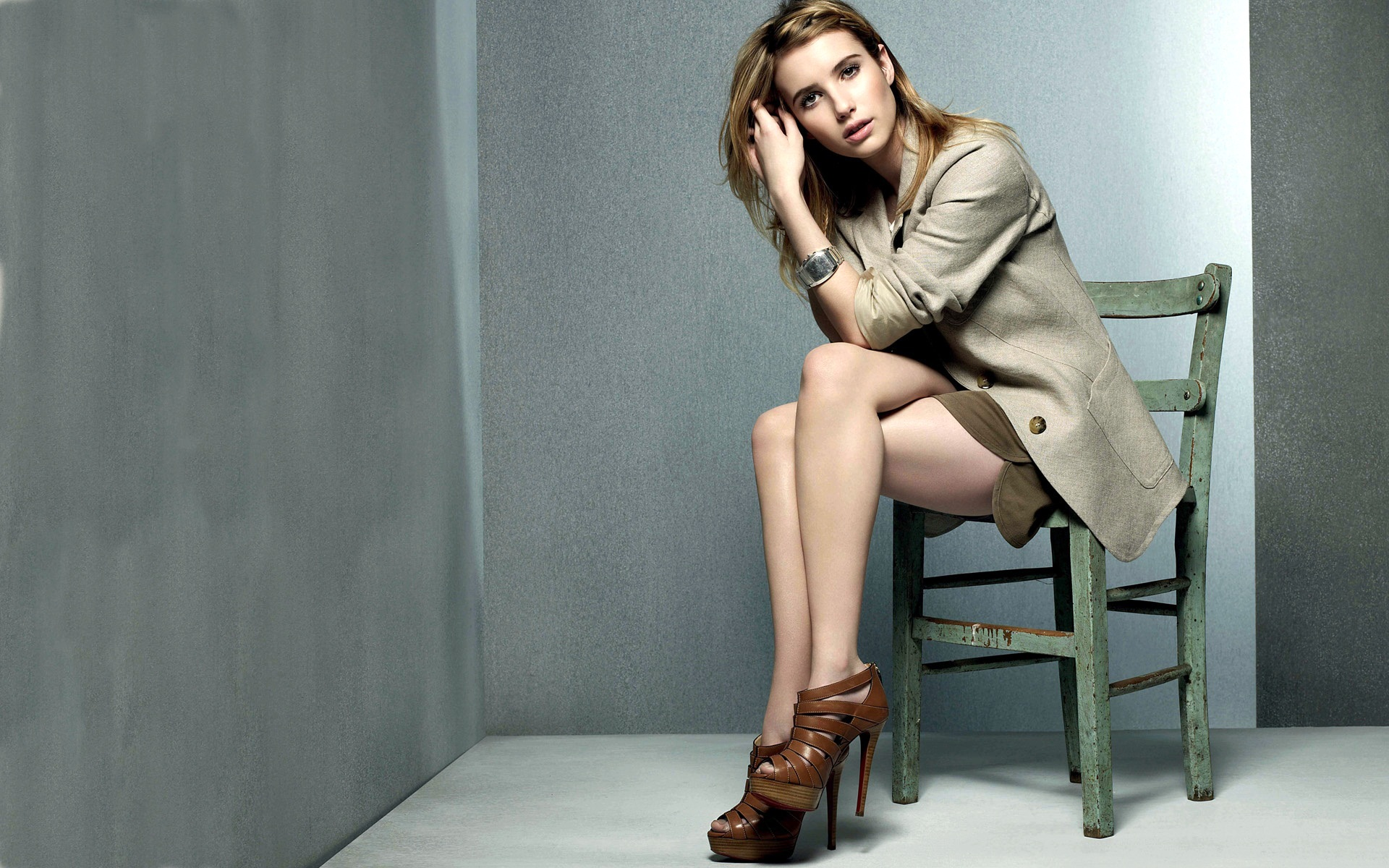 Emma Roberts 18 wallpaper