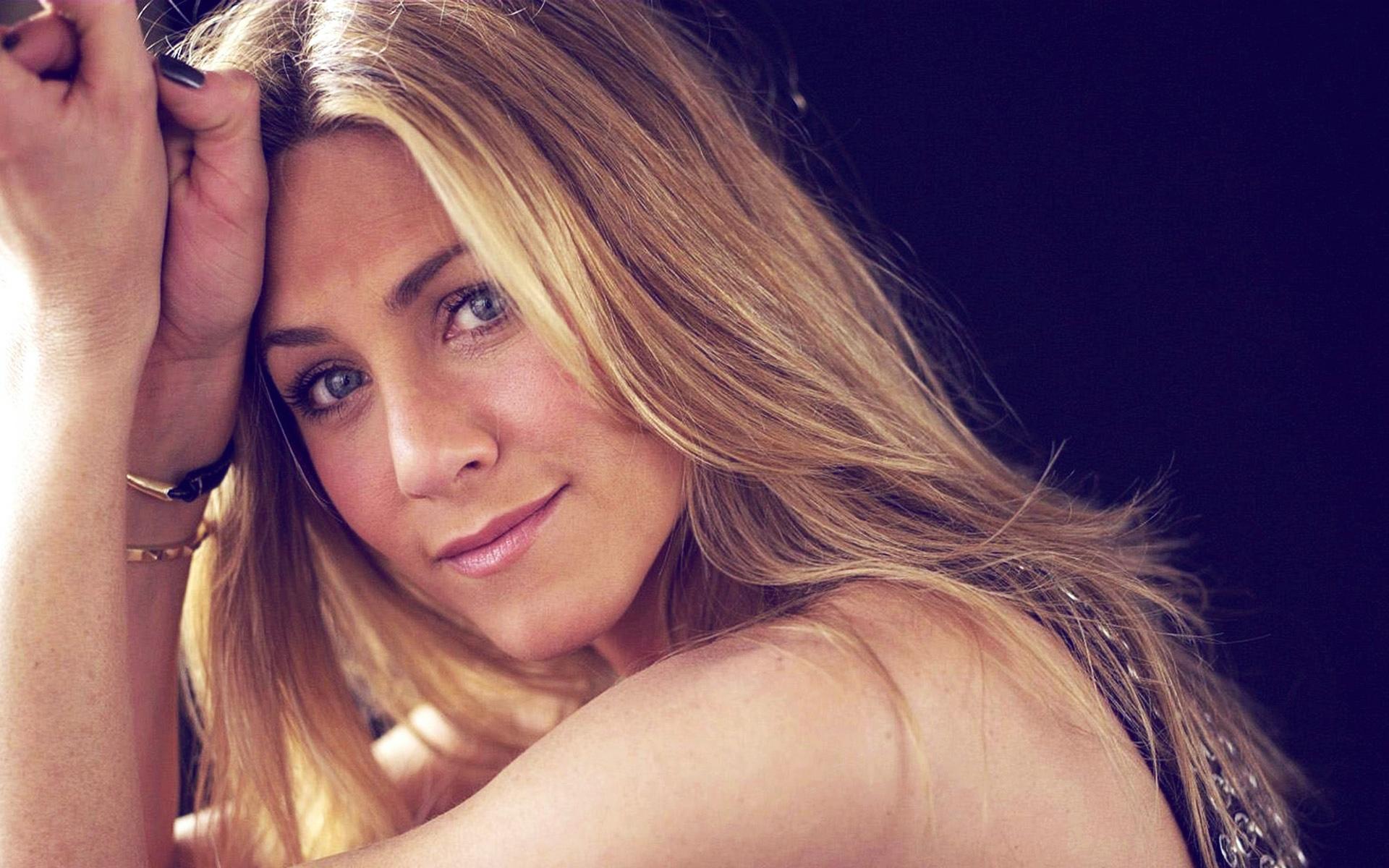 Jennifer Aniston 2012 wallpaper