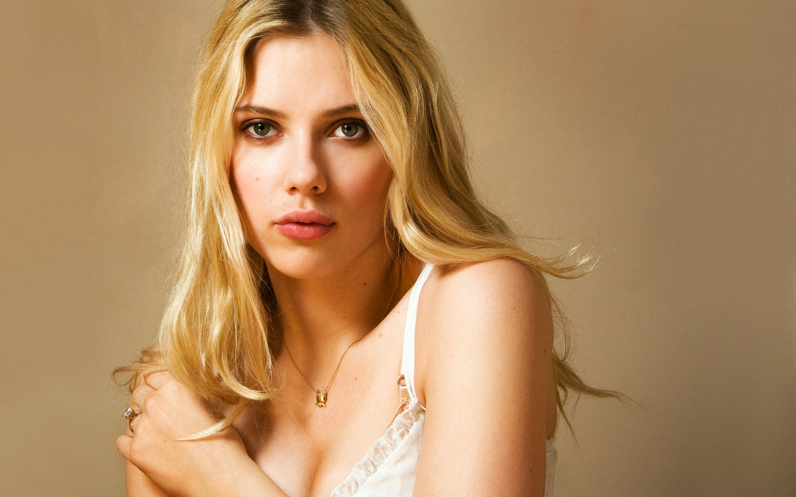 Scarlett Johansson New wallpaper