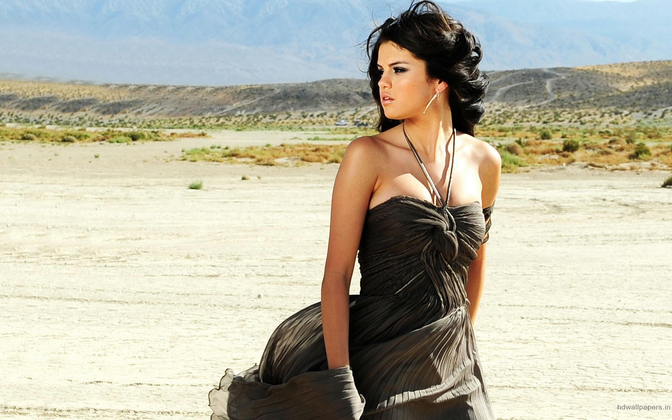 Selena Gomez 97 wallpaper
