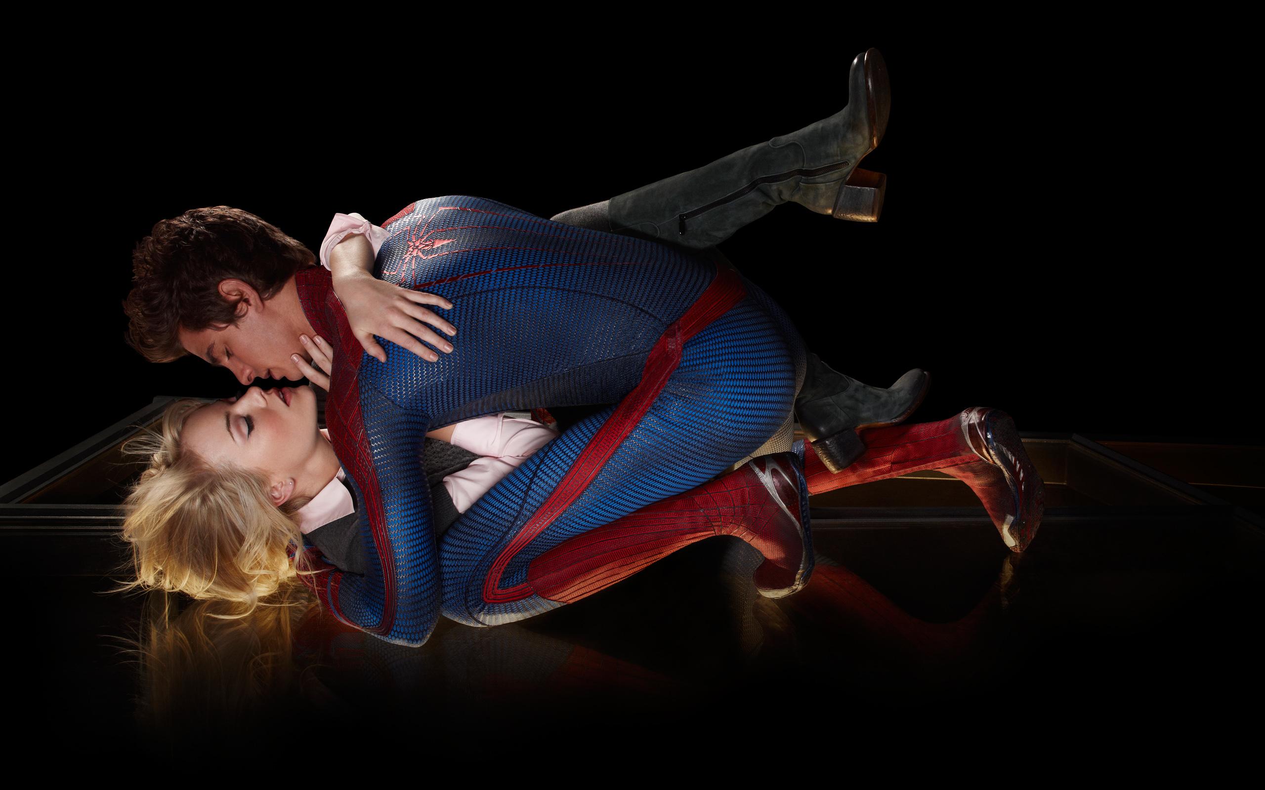 Amazing Spider Man Love Kiss wallpaper