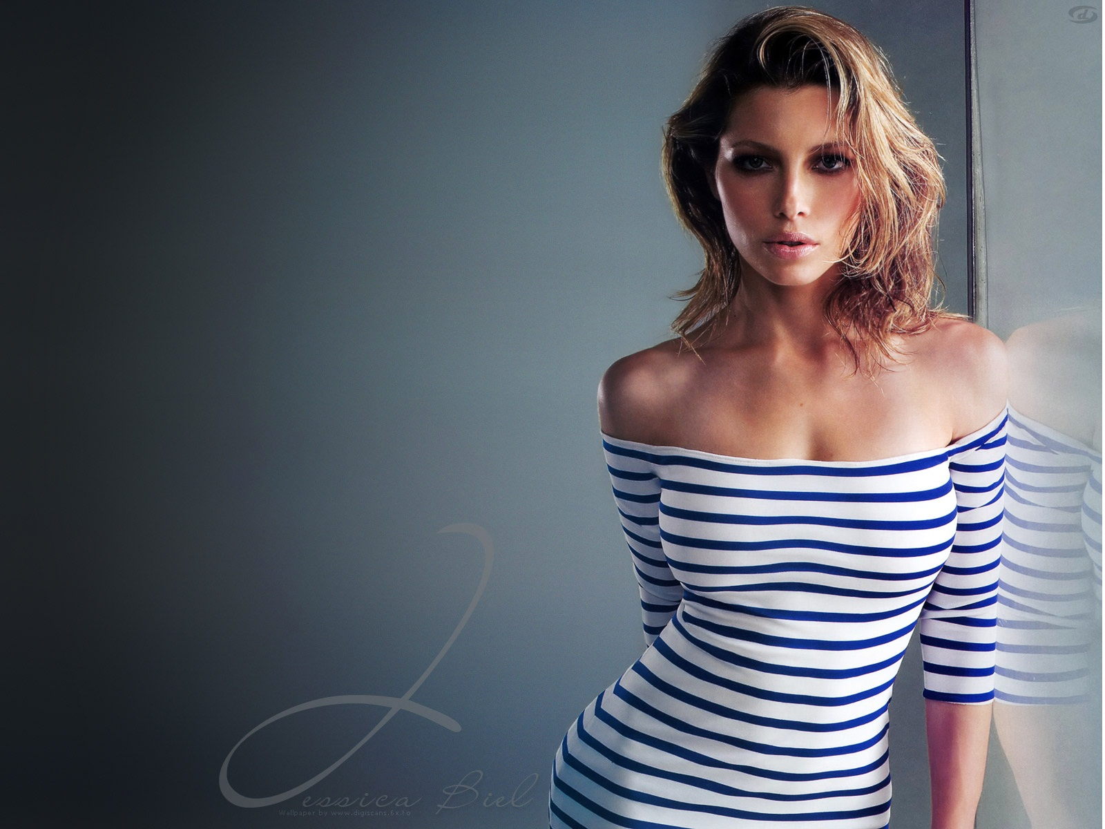 Hot Jessica Biel wallpaper