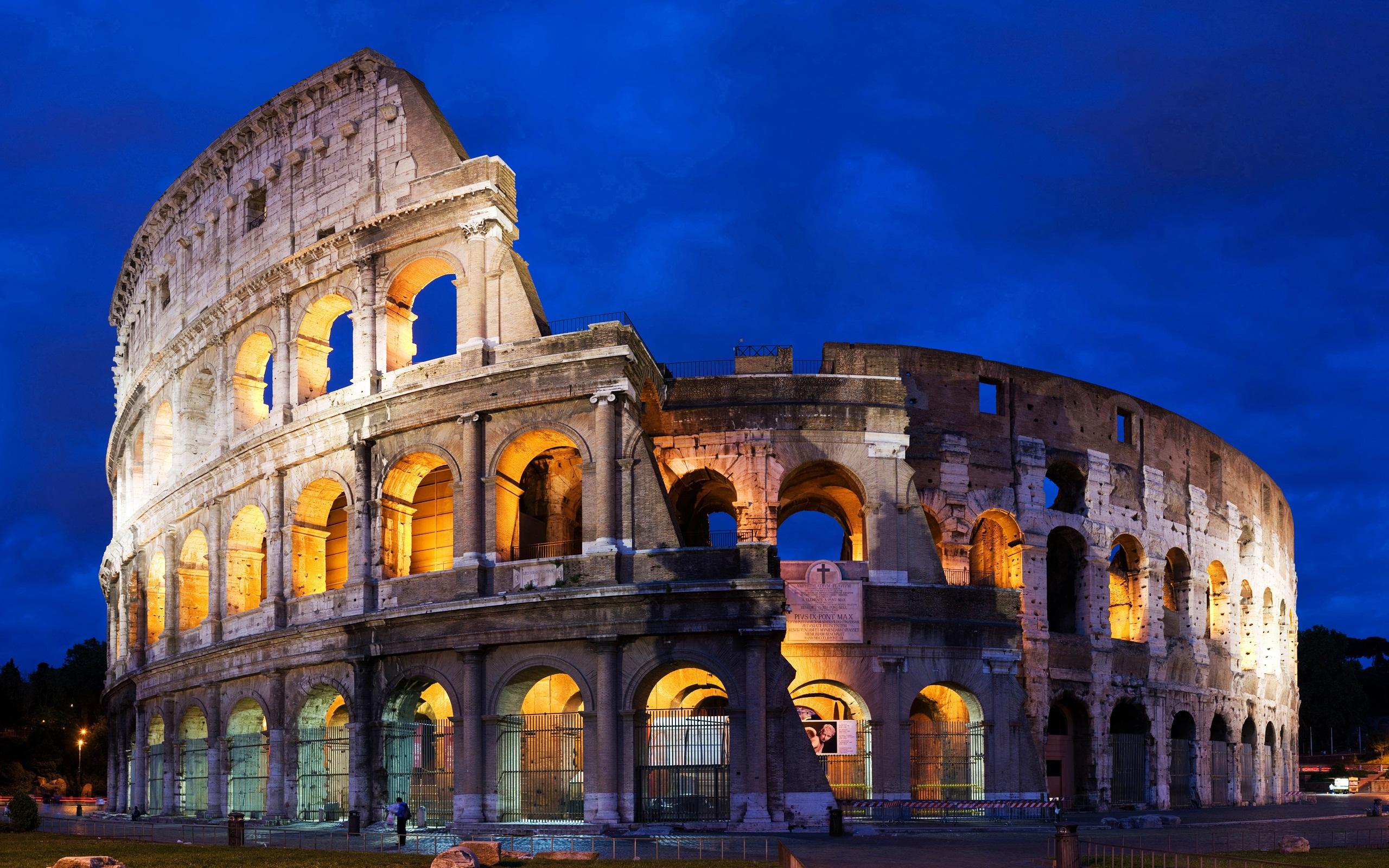 Colosseum in Rome wallpaper