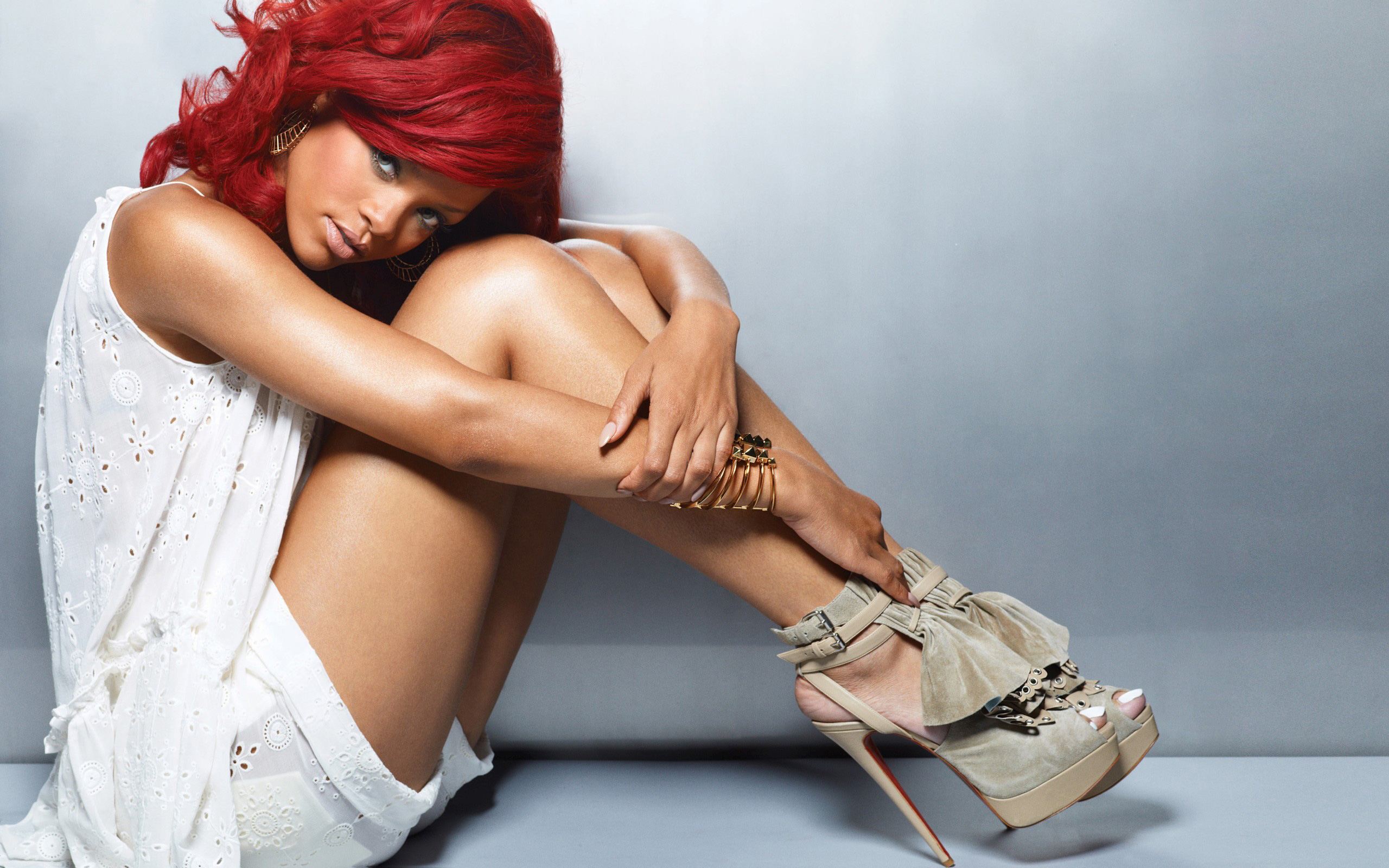 Rihanna Hot New wallpaper