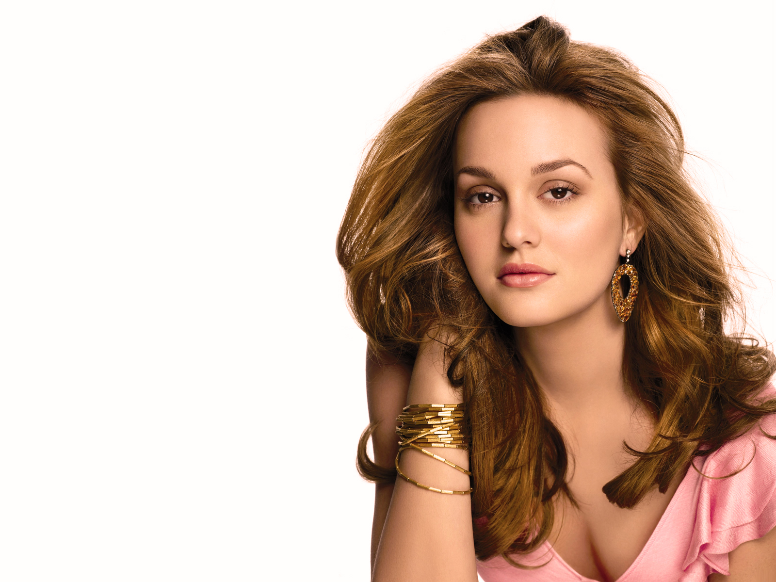 Leighton Meester American Actress wallpaper