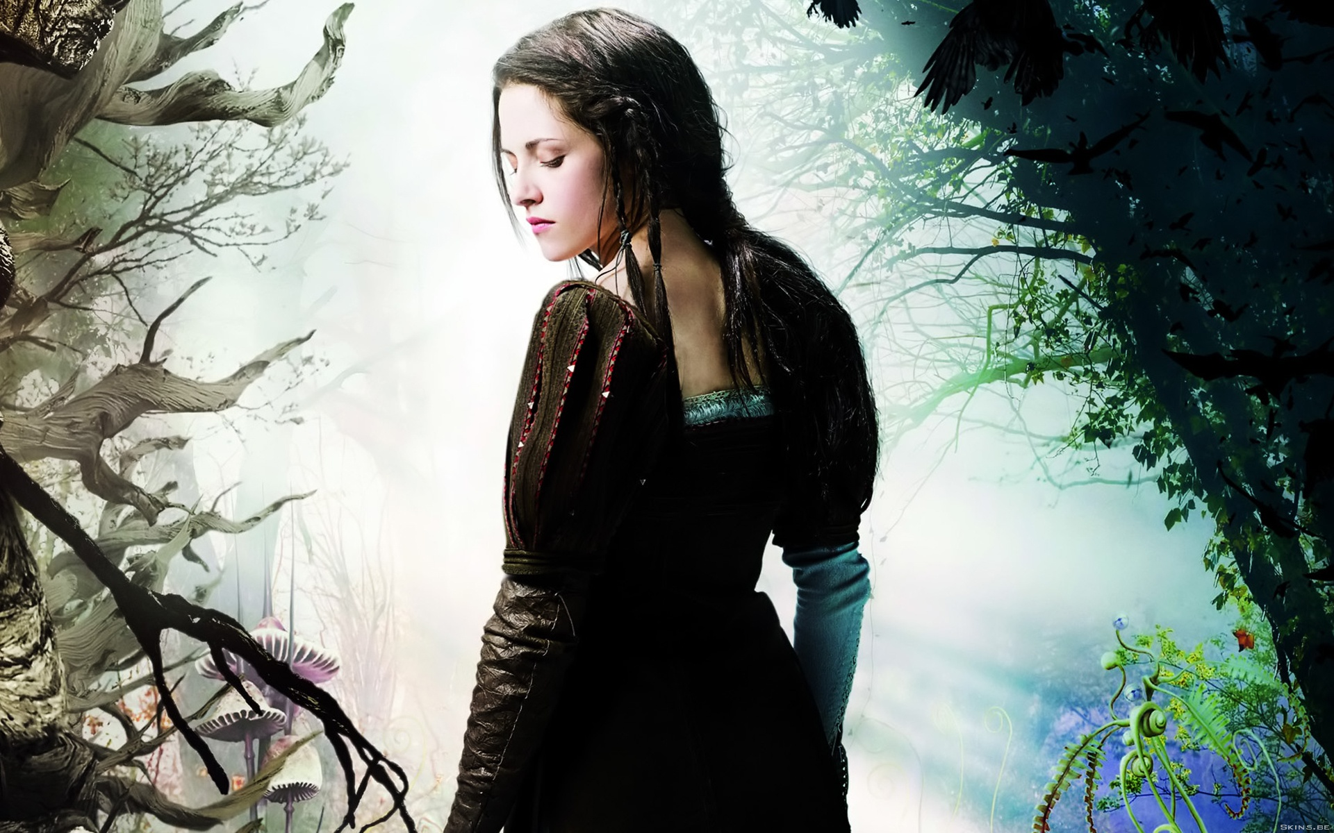 Kristen Stewart in Snow White and the Huntsman wallpaper