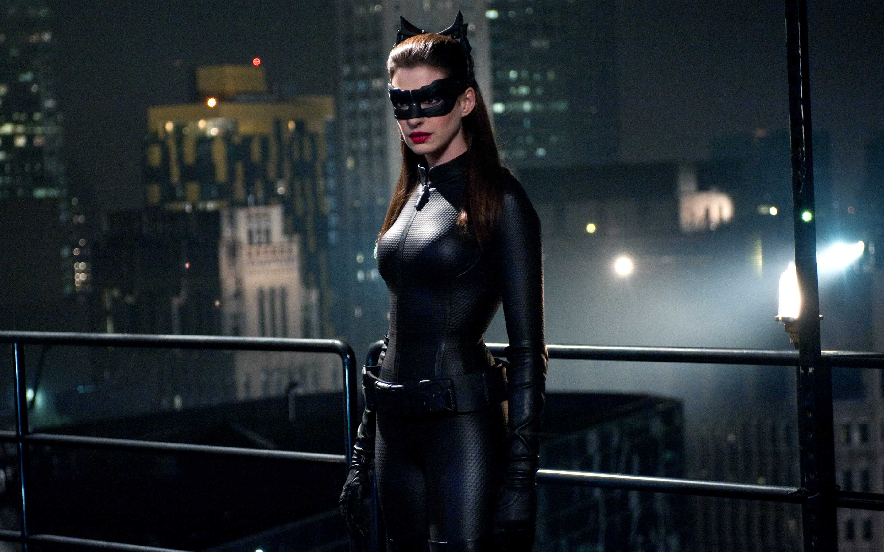 Anne Hathaway Catwoman Dark Knight Rises wallpaper download