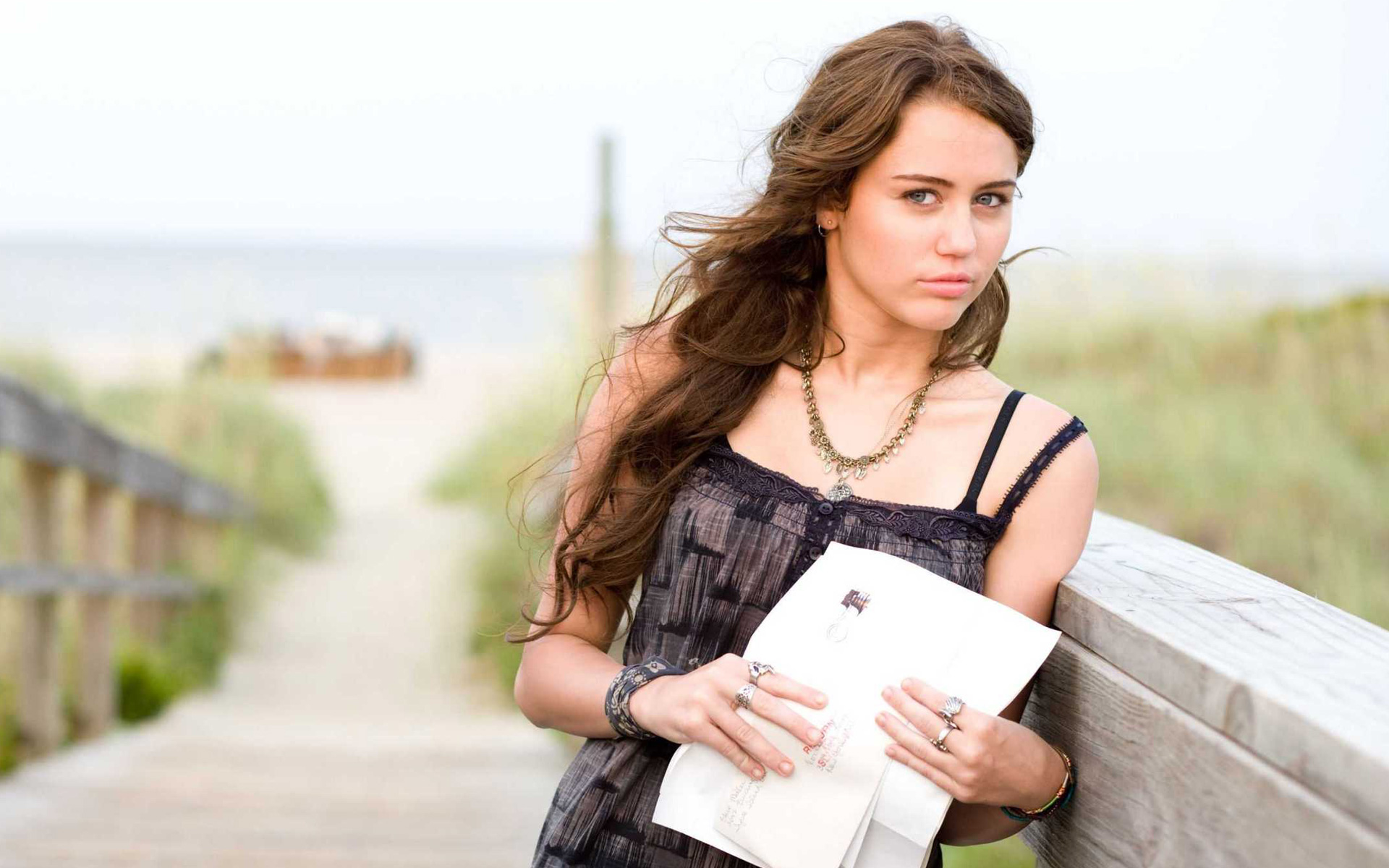 Miley Cyrus in The Last Song Movie wallpaper
