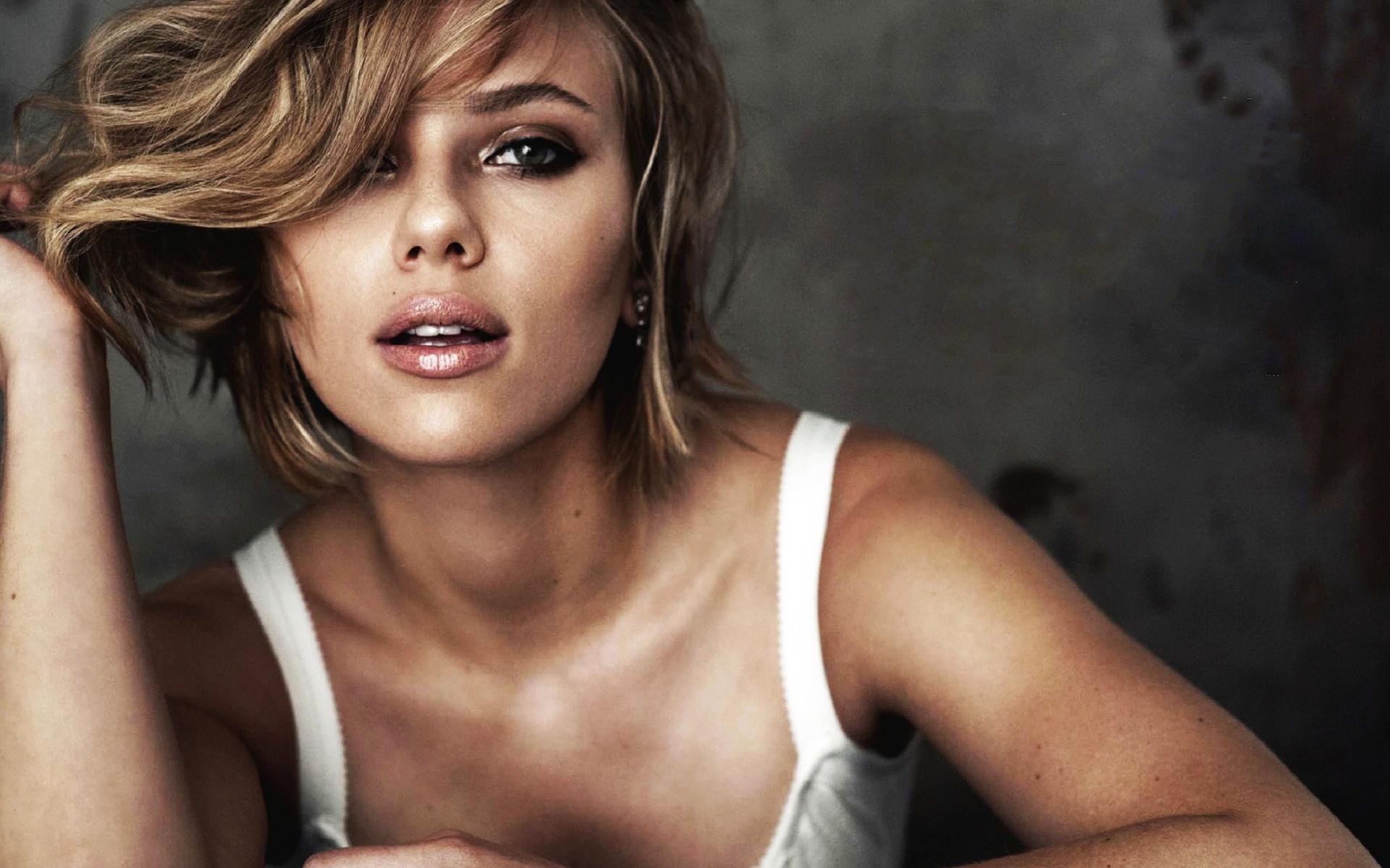 Scarlett Johansson 104 wallpaper